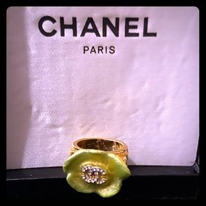 Chanel camellia green & gold ring 100% auth!